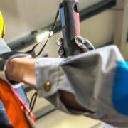 Manutenção em elevadores de carga por que isso e necessário