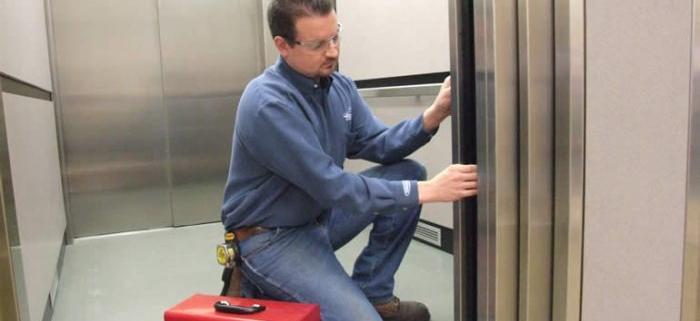assistência técnica de elevadores