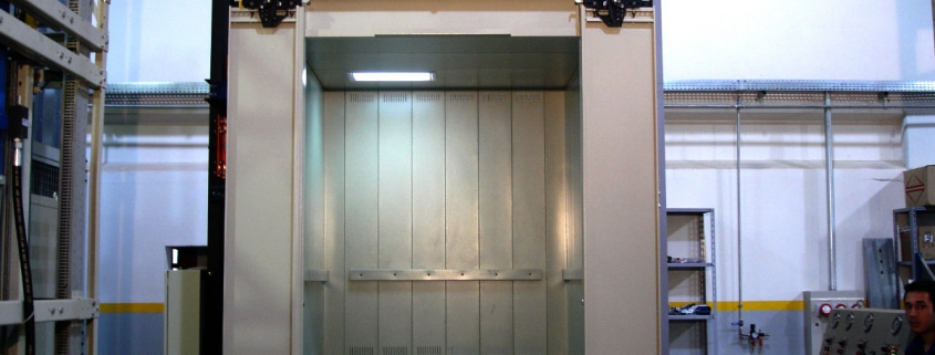 elevador de carga e descarga