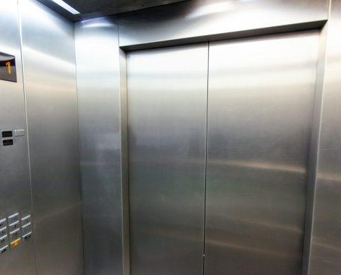 cabina de elevador