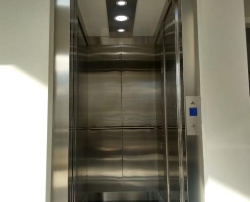 elevador hidráulico residencial