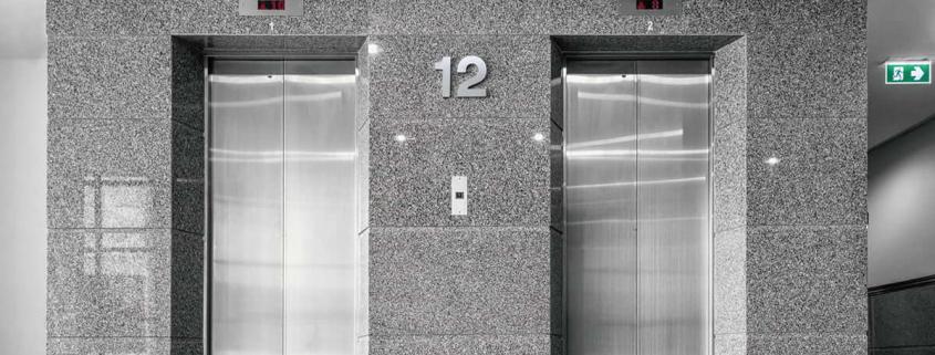 elevador de serviço